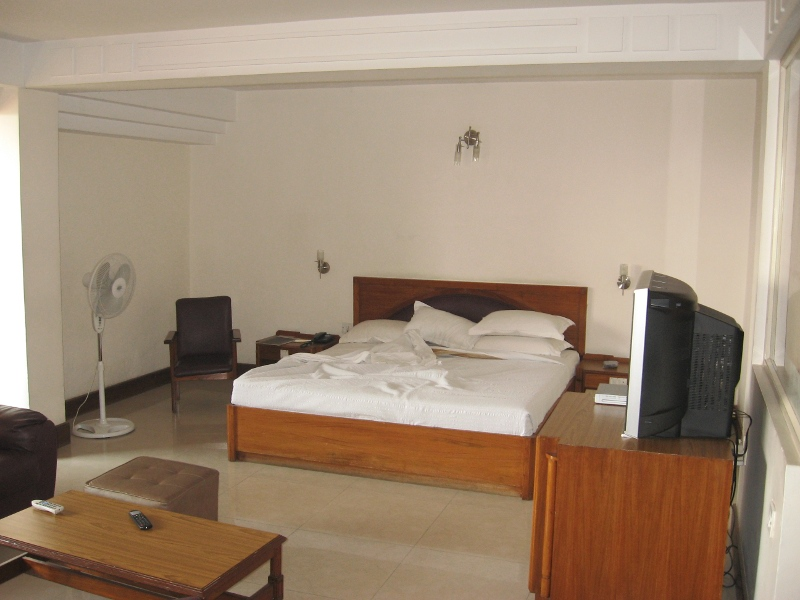 ivory-tower-hotel-grandmaster-suite-2